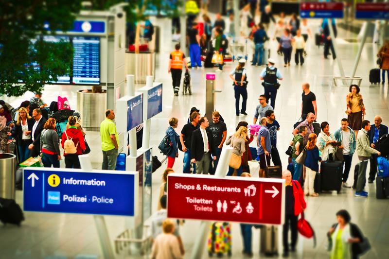 Aplicativo grátis para leitura de revistas em aeroportos